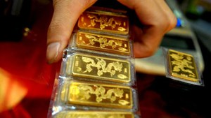 Mở cửa sáng nay, giá vàng giảm mạnh