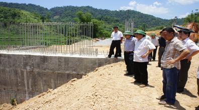 Kiểm tra dự án đường giao thông tới 4 xã huyện Tràng Định