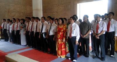 Đảng ủy Khối các cơ quan tỉnh báo công thực hiện việc học tập và làm theo tấm gương đạo đức Hồ Chí Minh tại Pác Bó- Cao Bằng