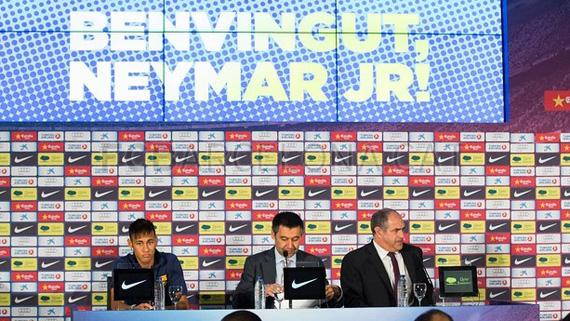 Neymar khẳng định chuyển đến Barca không phải vì tiền