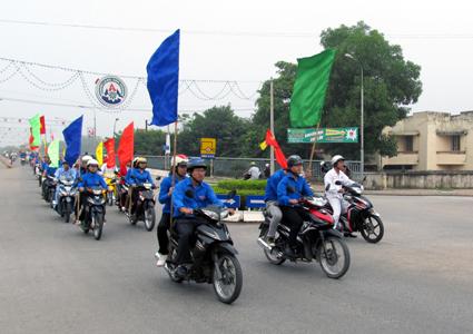 Phát huy vai trò thanh niên trong công tác đảm bảo an toàn giao thông