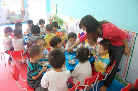 Mục tiêu dinh dưỡng cho trẻ em năm 2015: Còn nhiều việc phải làm