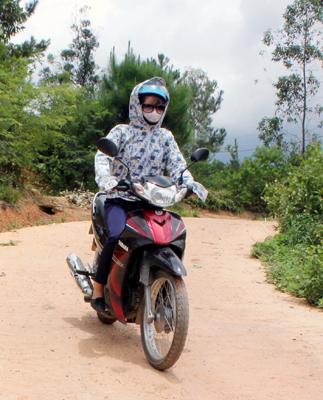 Làm đường giao thông nông thôn: Cách hay ở Yên Khoái
