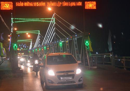 Thành phố Lạng Sơn lung linh sắc màu chào mừng kỷ niệm 185 năm ngày thành lập tỉnh (4/11/1831 – 4/11/2016)