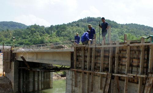 Sức dân ở Quảng Lạc