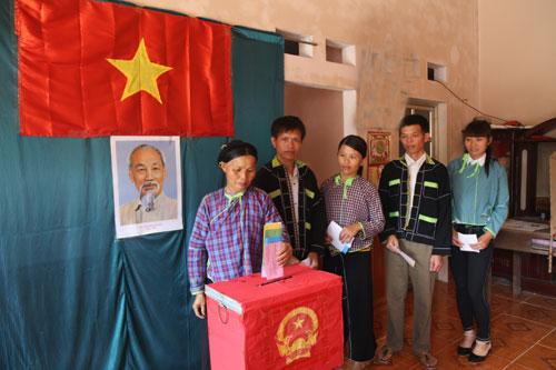 Lạng Sơn: Tỷ lệ cử tri đi bầu cử đạt 99,91%