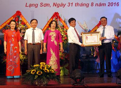 ky-niem-70-nam-cong-doan-lang-son-va-don-nhan-huan-chuong-lao-dong-hang-nhat