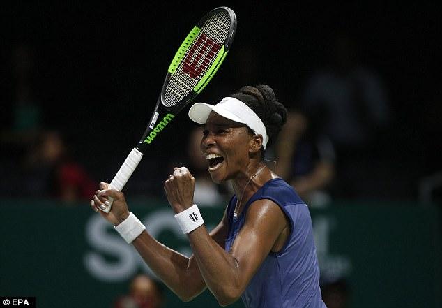 Venus Williams giành vé bán kết WTA Finals 2017