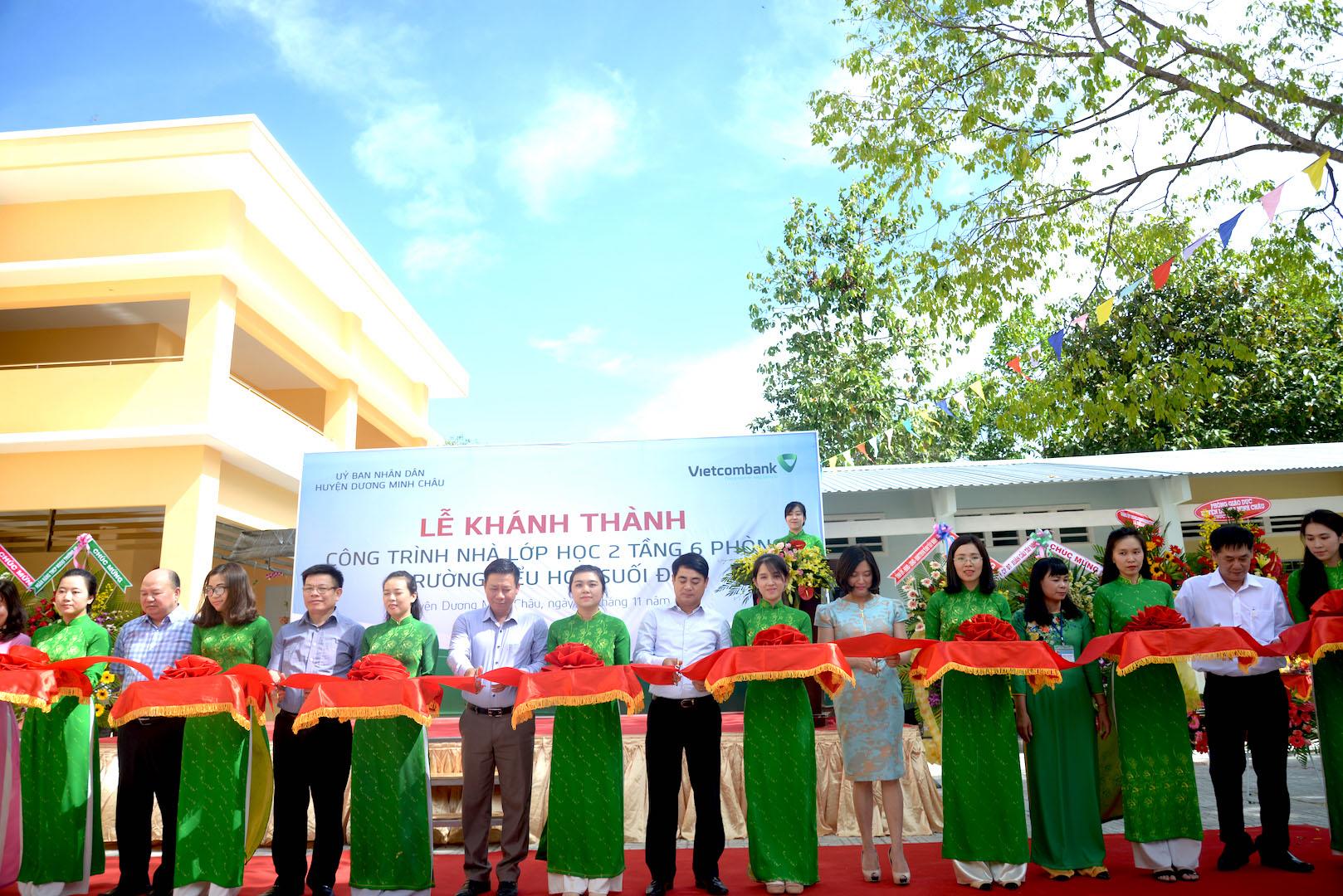 Vietcombank tài trợ 4 tỷ đồng xây trường cho huyện nghèo ở Tây Ninh