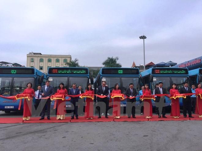 Hà Nội: Vận hành xe buýt nhiều tiện ích dành cho người khuyết tật