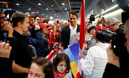 Federer ký hợp đồng thi đấu thêm ba năm ở giải tại Basel