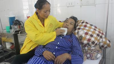 Gia đình nghèo khó, bệnh tật cần sự giúp đỡ