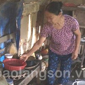 Người phụ nữ nghèo bệnh tật nuôi hai cháu mồ côi