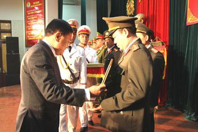 Công an tỉnh được Chính phủ tặng Cờ thi đua xuất sắc