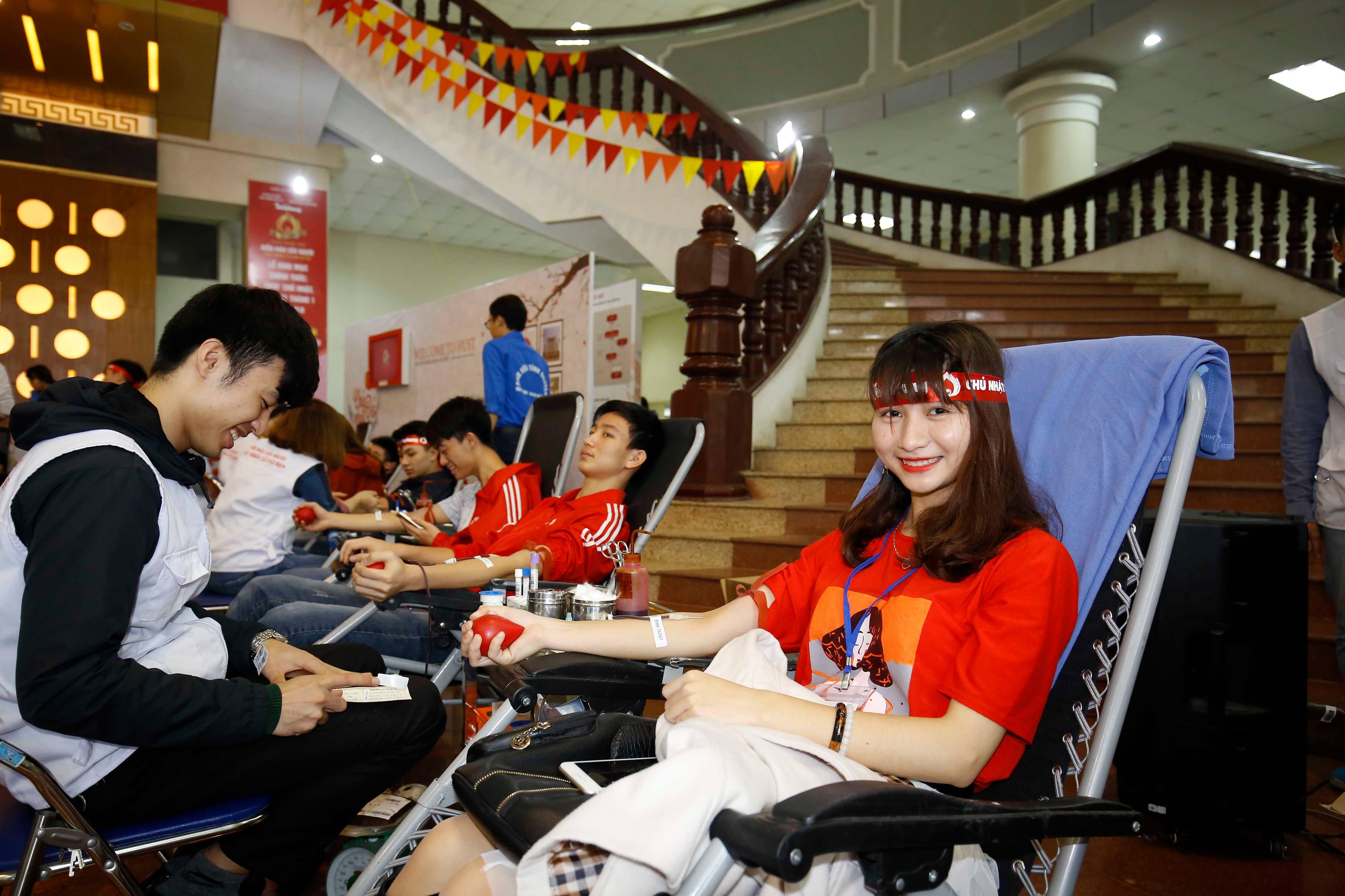 Chủ Nhật Đỏ đã thu gần 40.000 đơn vị máu