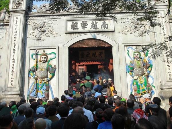 Gần 1 triệu du khách đến Khu di tích Đền Hùng dịp Tết Mậu Tuất
