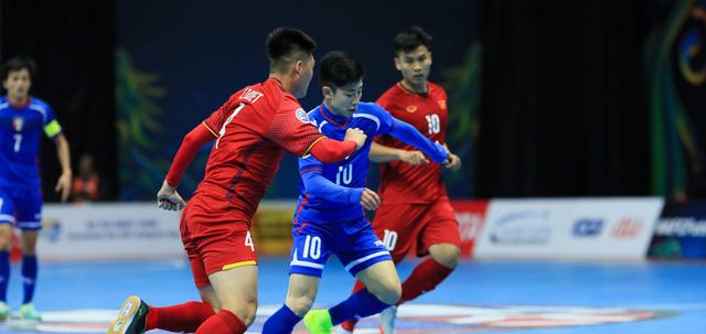 Lội ngược dòng, Việt Nam vào tứ kết Giải futsal Châu Á 2018