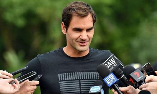 Federer bất ngờ dự Rotterdam, nhắm đến đỉnh ATP