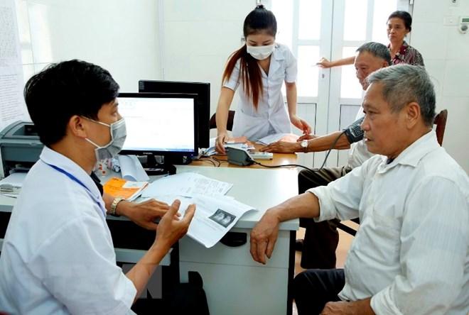 Gần 15 triệu lượt người khám chữa bệnh trong tháng Ba
