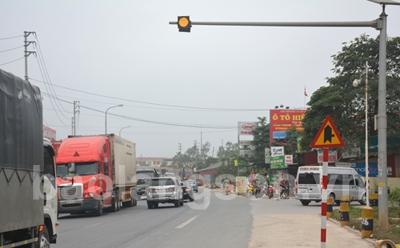 Đèn chớp vàng - Tín hiệu an toàn cho lái xe