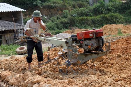 Tai nạn lao động nông nghiệp: Nỗi lo trên mỗi luống cày