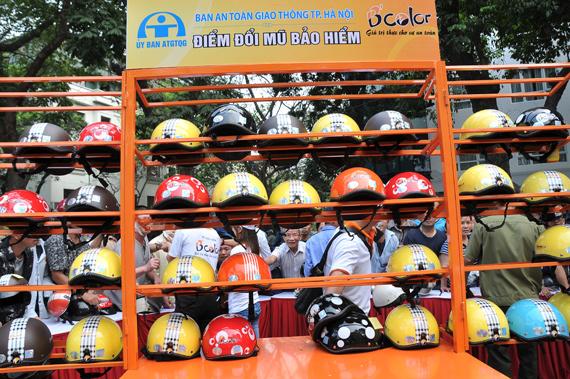 WHO hoan nghênh quy định mới về mũ bảo hiểm có hiệu lực từ ngày 1/1/2014