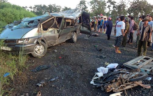 Khẩn trương khắc phục hậu quả vụ tai nạn giao thông đặc biệt nghiêm trọng tại Đắk Lắk