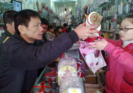 Nhộn nhịp thị trường Noel