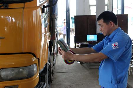 Thắt chặt kiểm định xe quá tải