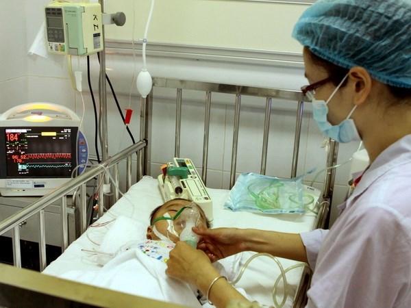 Prudential tặng 20 máy bơm tiêm điện cho Bệnh viện Nhi
