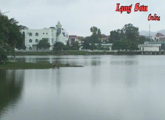 Hồ Phai Loạn có dấu hiệu ô nhiễm nặng