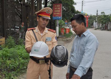 Cao điểm xử lý mũ không phải mũ bảo hiểm