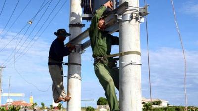 Khẩn trương thi công đưa điện cáp ngầm ra đảo Lý Sơn