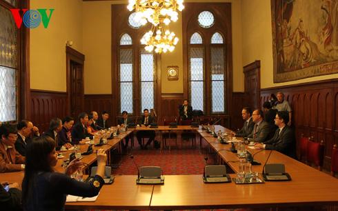 Hungary ủng hộ Việt Nam trong đấu tranh bảo vệ chủ quyền