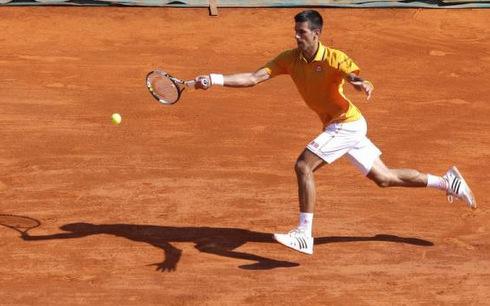 Djokovic khởi đầu thuận lợi tại mùa giải đất nện 2015