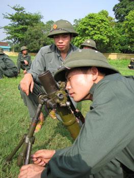 Dân quân tự vệ huyện Hữu Lũng chung sức xây dựng nông thôn mới