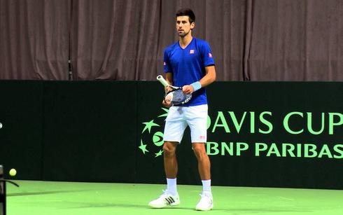 Djokovic giúp ĐT Serbia khởi đầu thuận lợi ở Davis Cup
