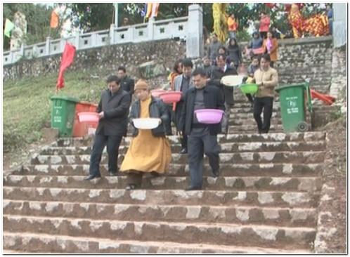 Thành phố Lạng Sơn: Hơn 500 thanh niên hỗ trợ người dân thả cá tiễn ông Công, ông Táo