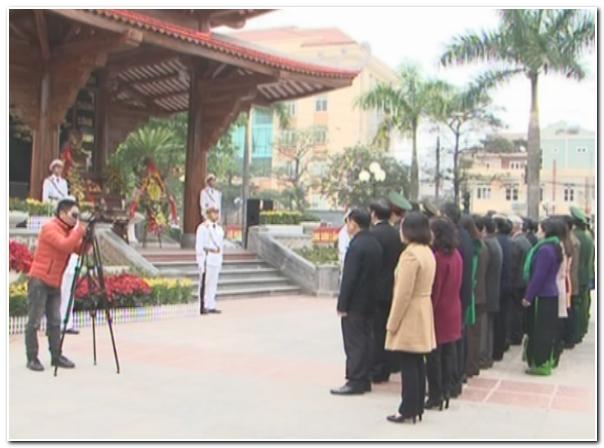 Lãnh đạo tỉnh dâng hương tại thành phố Lạng Sơn