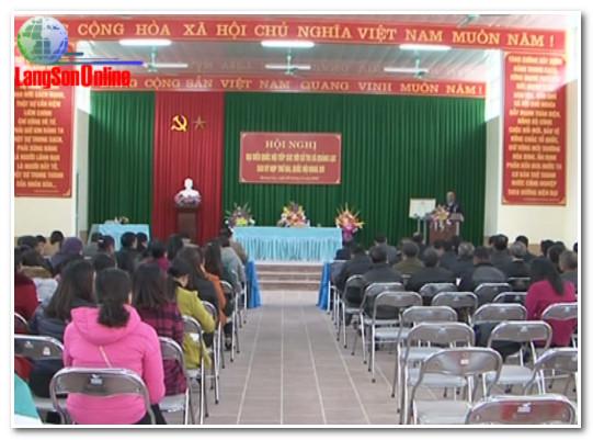 Trưởng Đoàn đại biểu Quốc hội tỉnh tiếp xúc cử tri tại xã Quảng Lạc