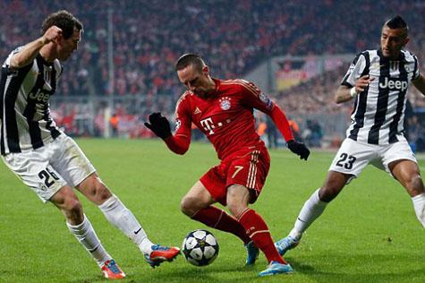 Rộ nghi vấn Bayern Munich được trọng tài thiên vị