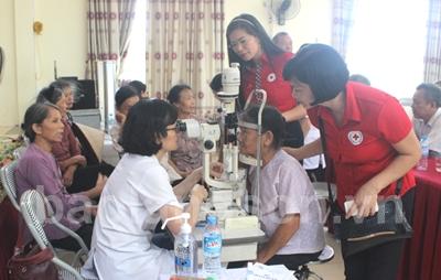 Hiệu quả từ chương trình khám, chữa các bệnh về mắt miễn phí