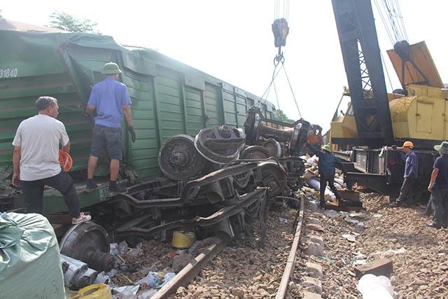 Thông tuyến đường sắt qua Quảng Nam