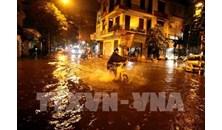 Mưa lớn làm ngập một số khu vực tại Hà Nội