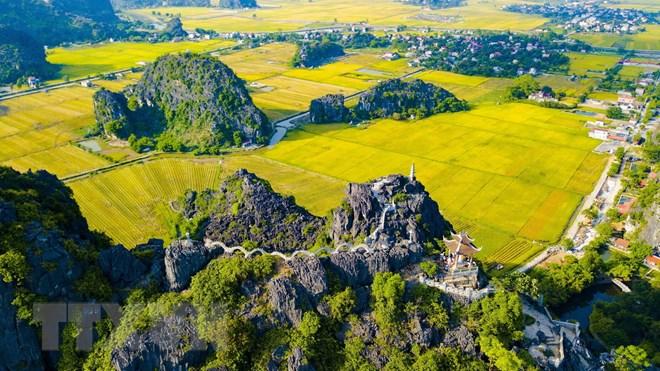 Sôi động tuần du lịch Ninh Bình 'Sắc vàng Tam Cốc-Tràng An'