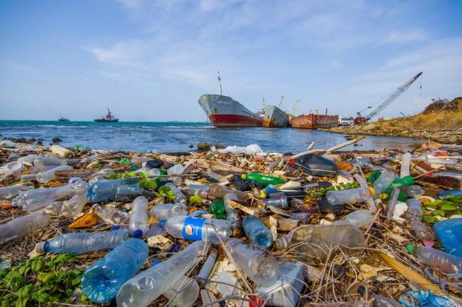 Nhật Bản thông qua dự luật hạn chế xả rác thải nhựa
