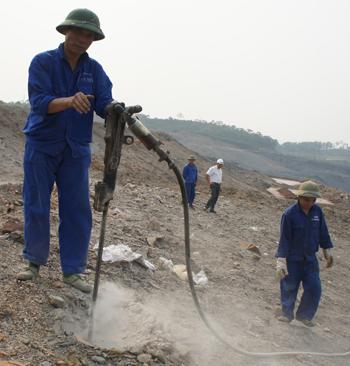 Đảng bộ Công ty Than Na Dương: Chú trọng đổi mới tác phong, lề lối làm việc, nâng cao chất lượng công tác