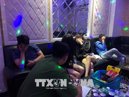 Thành phố Hồ Chí Minh: Kiểm tra đột xuất quán karaoke, phát hiện nhiều người sử dụng ma tuý