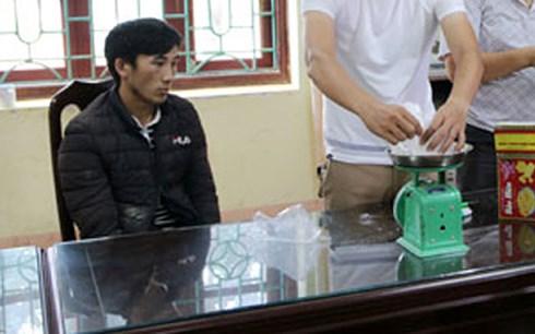 Mua heroin từ Trung Quốc mang về Việt Nam bán kiếm lời