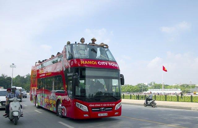 Xe buýt du lịch Hà Nội thêm giá vé mới và mở tour buổi tối